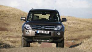Рестайлинг чёрного Mitsubishi Pajero