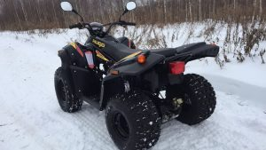 Stels ATV 110A Hugo на зимней дороге
