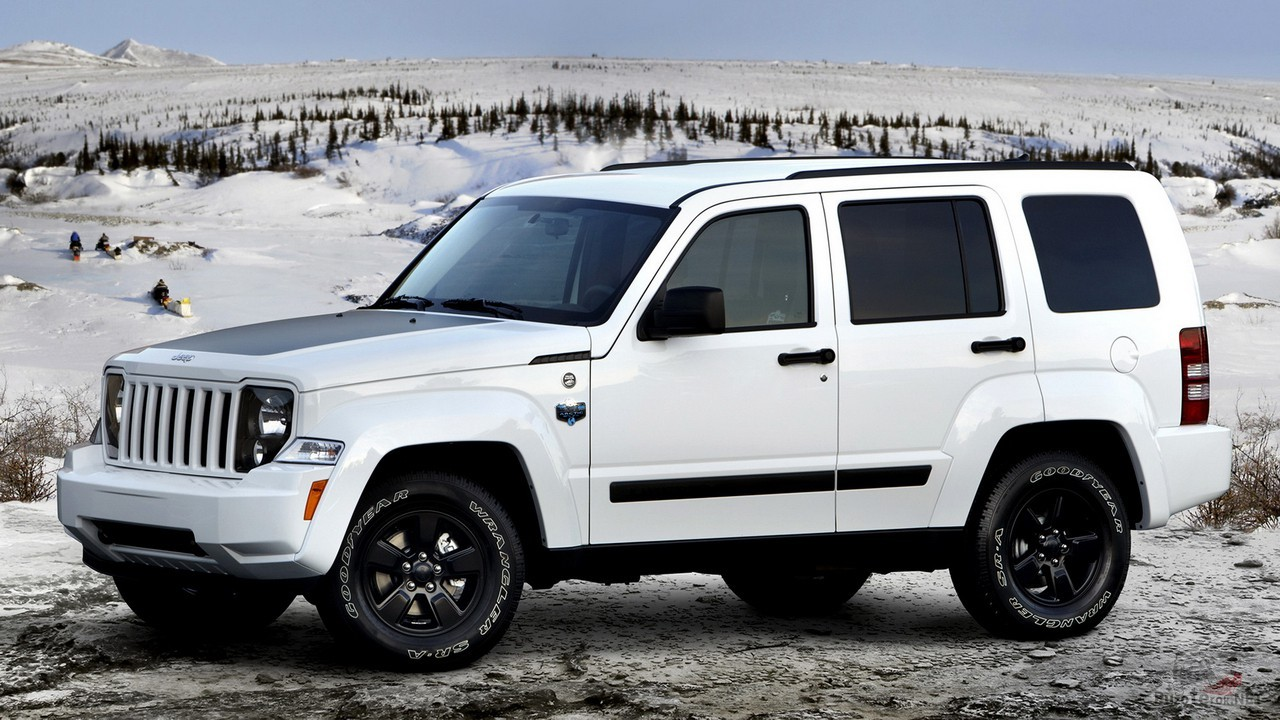 Арктический Jeep Liberty 2012 года