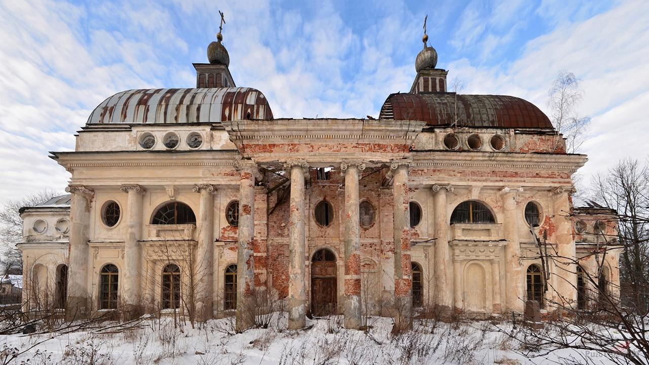 Казанская церковь под Волоколамском