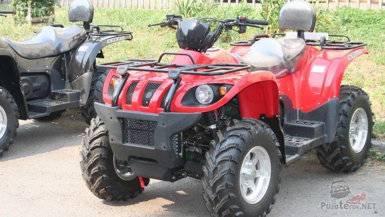 Красный ATV 500 gt на стоянке