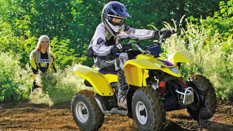 Маленький гонщик на Suzuki QuadSport Z50