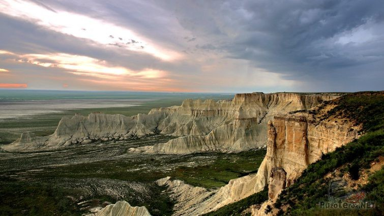 Панорама крутого западного склона