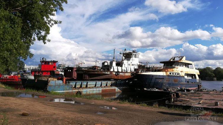 Погибшие корабли на Кожуховском затоне