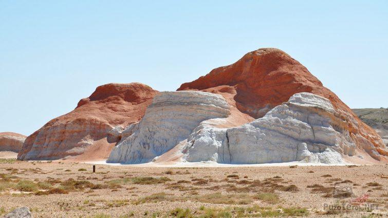 Пылающие утёсы в Восточном Казахстане
