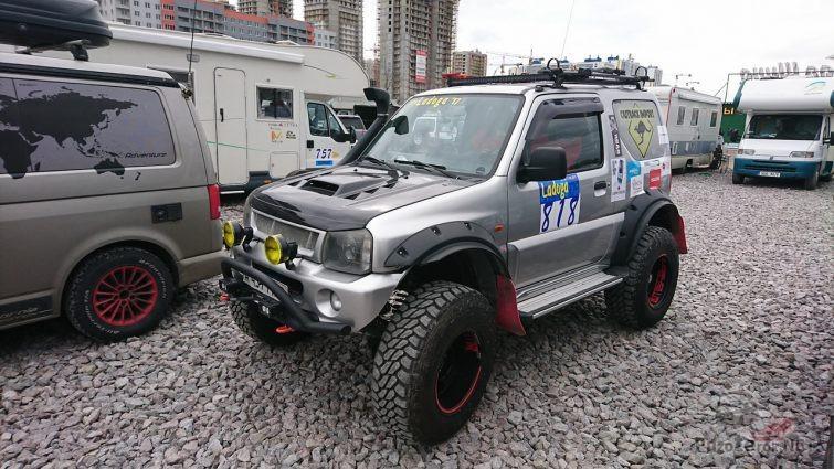 Расширители арок и большие колёса на Suzuki Jimny