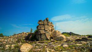 Скальник на вершине хребта Улан-Бургасы