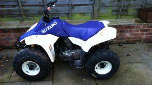 Спортивный Suzuki lt80 Quad Sport сине-белого цвета
