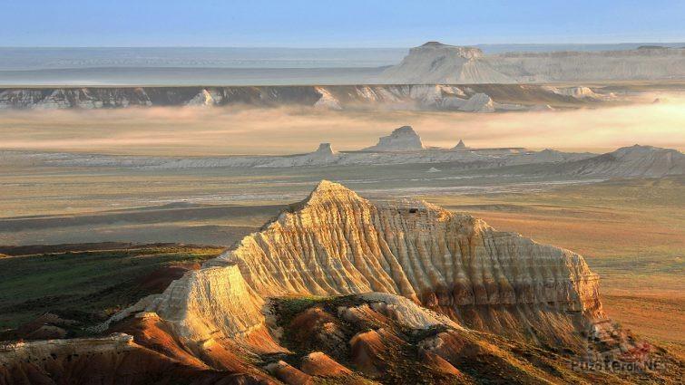 Вид сверху на плато