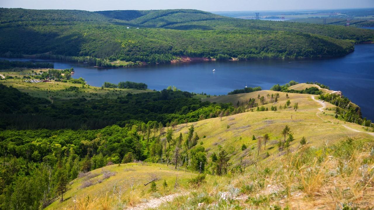Волга у подножья Жигулёвских гор