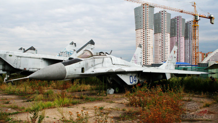 Брошенный МиГ-29 близ Щёлковских новостроек