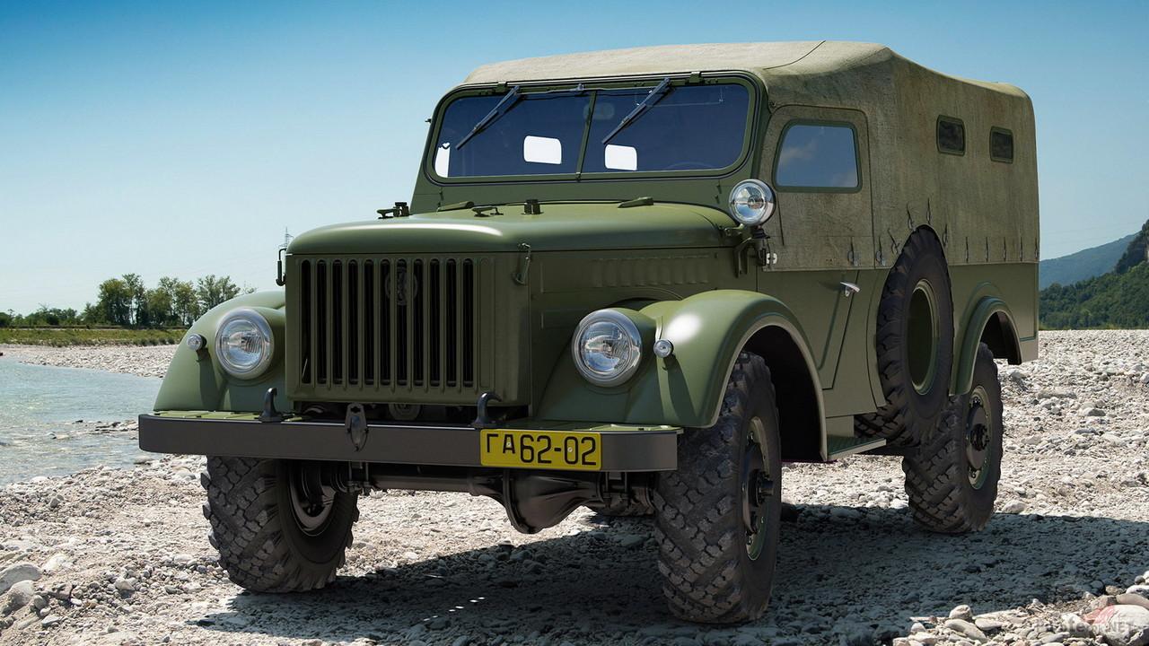 ГАЗ-62 на берегу водоёма