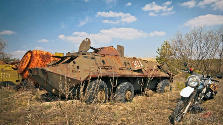 Заброшенная военная техника в зоне отчуждения