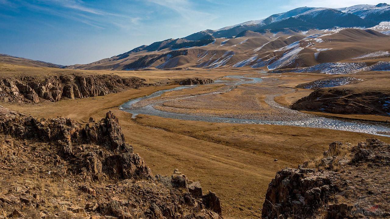 Осенняя панорама жемчужины Казахстана