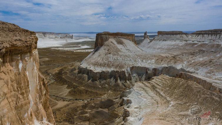 Плато Устюрт у остатков Аральского моря