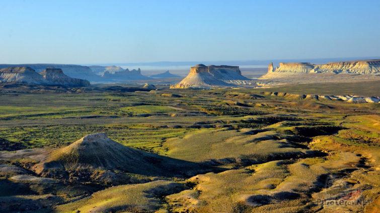 Покрытая зеленью северная часть плато