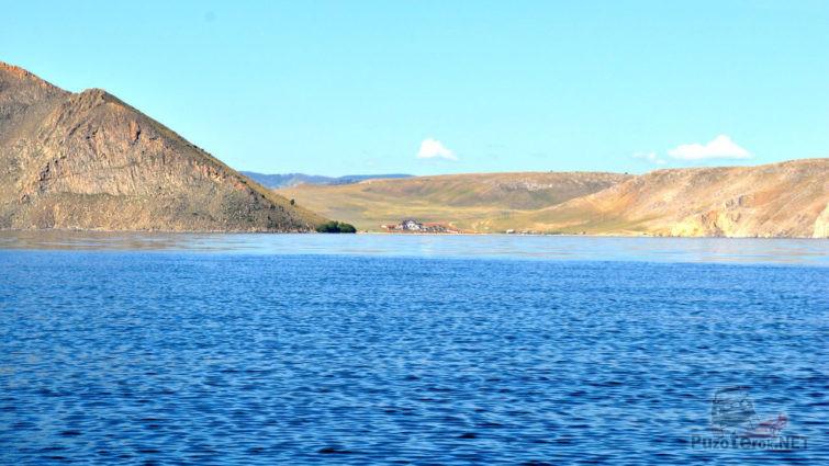 Вид с озера на мини-отель