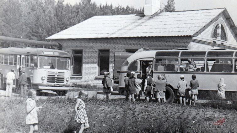Архивное фото пионерского лагеря Пламя