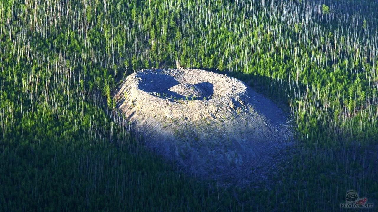 Патомский кратер