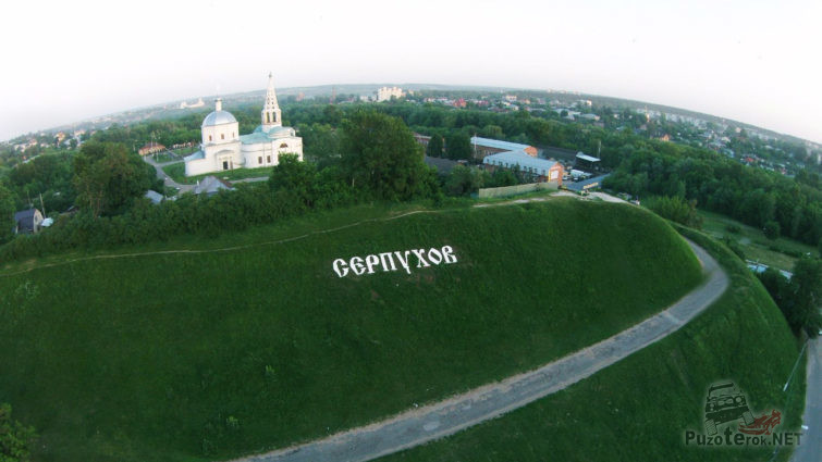 Реставрируемый Троицкий собор на вершине Соборной горы в Серпухове