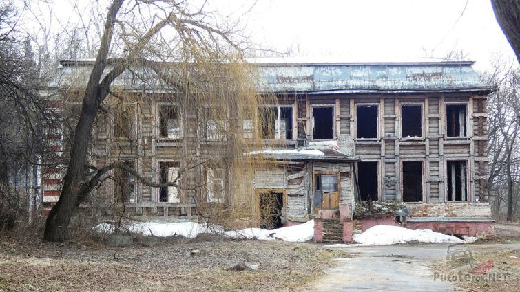 Руины усадьбы Спасское - бывший пионерский лагерь