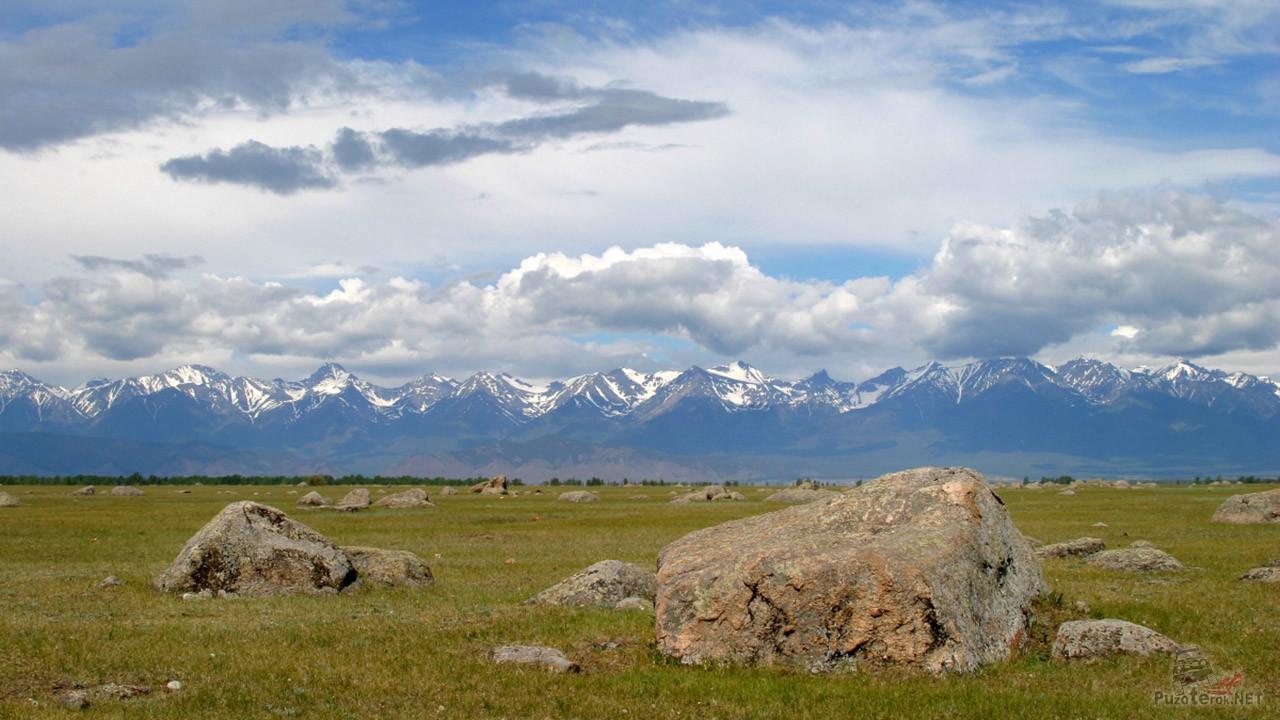 Сад камней в Баргузинской долине