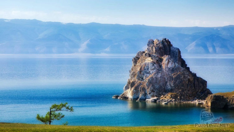 Утренняя дымка над Байкалом