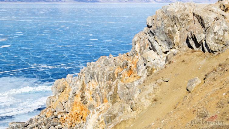 Вид на лёд с вершины Шаман-камня