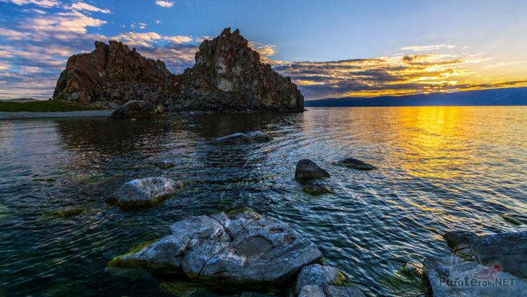 Закат над островом Ольхон
