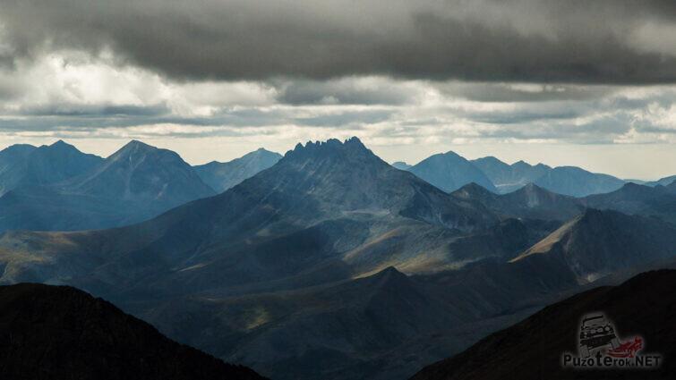Вид на Манарагу с горы Народная