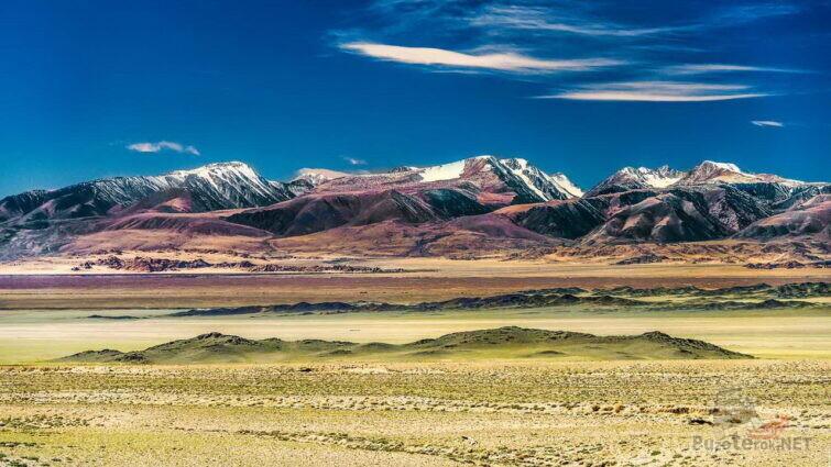 Цветные горы Монголии