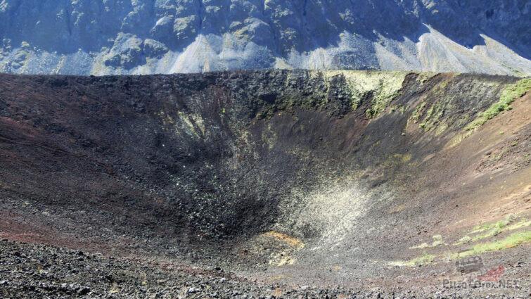Кратер потухшего вулкана