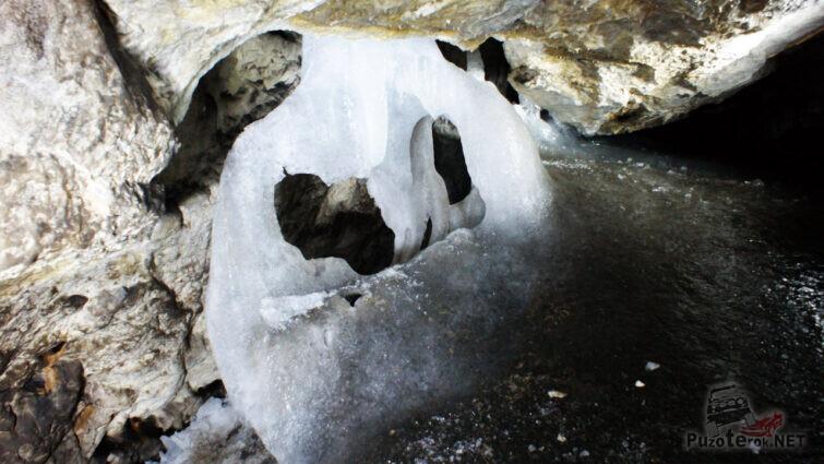 Причудливая ледяная петля
