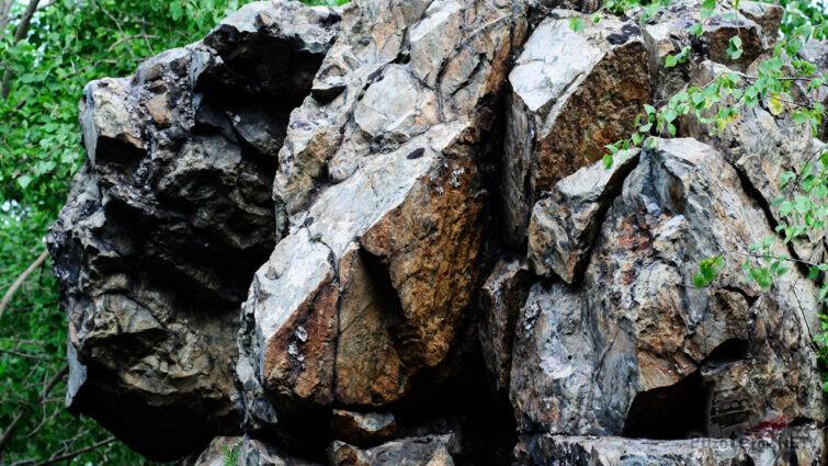 Шаровые лавы базальтового состава