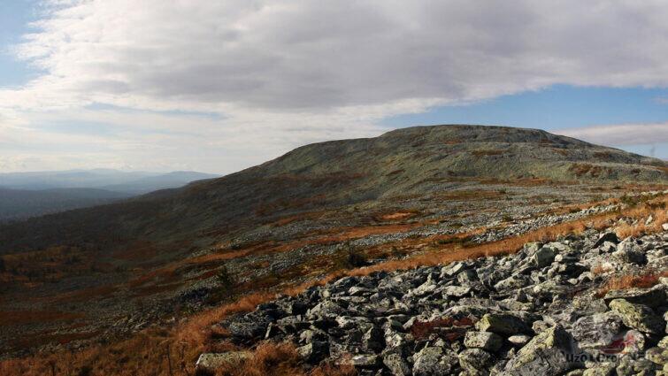Самая высокая точка хребта Кваркуш - Вогульский камень