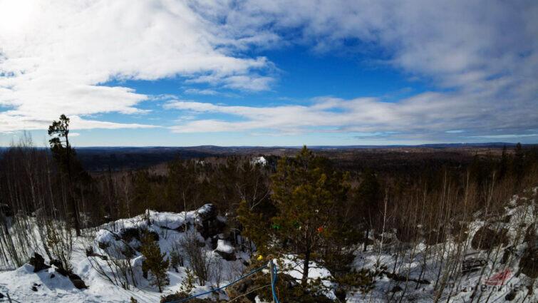 Вид на горизонт с вершины Азов-горы
