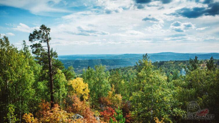 Вид с вершины Уфалейского хребта Среднего Урала