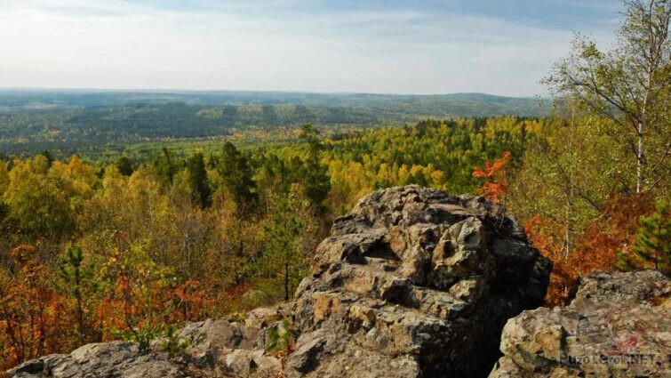 Живописный вид с вершины горы