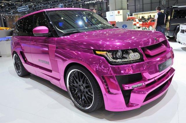 Розовый внедорожник на Женевском автосалоне