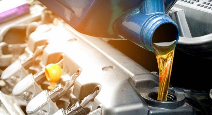 Как часто нужно менять масло в автомобиле: мифы и правда