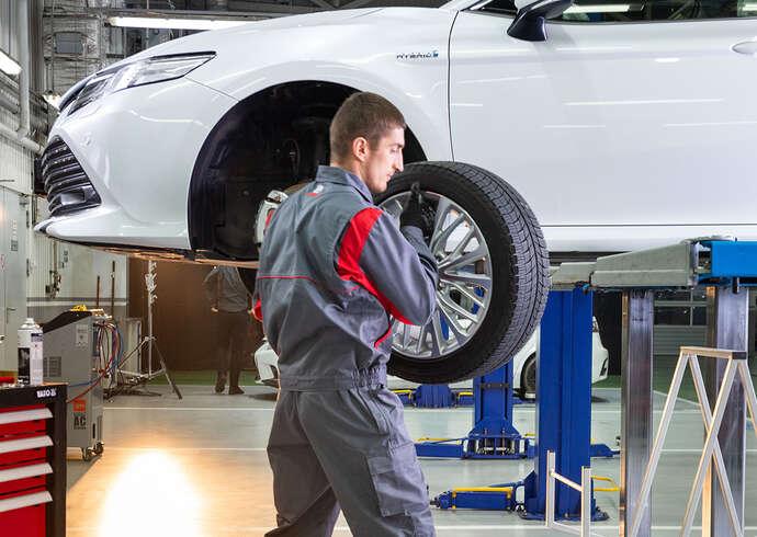 Качественный ремонт автомобилей Toyota в Москве